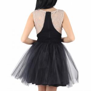 Rochie Rebeca Black - Rochie neagră deasupra genunchilor, lejeră cu un design unicși material tip dantelat peste bust - Deppo.ro