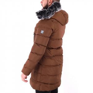 Geacă de iarna Colin Brown - Construită cu un fermoar de fixare și butoni cu căptușeală moale, jacheta vă va menține cald în zilele reci de iarnă.  Dispune de o glugă îmblănită, două buzunare cu fermoar și un buzunar interior - Deppo.ro