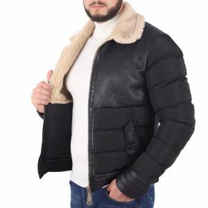 Geacă Oscar - Geacă scurtă stilată pentru bărbaţi din piele ecologică cu interior îmblănit şi căptuşit, prevăzută cu guler îmblănit, în partea din faţă jacheta este prevăzută cu un fermoar lung rezistent - Deppo.ro