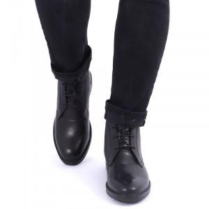 Ghete din piele naturală cod 214 Negre - Ghete pentru bărbați din piele naturală cu interior îmblănit și inchidere cu șiret - Deppo.ro