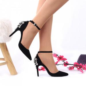 Pantofi cu toc cod 87441 Negri - Pantofi decupați tip sanda din piele ecologică  Model deosebit de frumos în partea din spate a tocului  Închidere prin baretă  Calapod comod - Deppo.ro