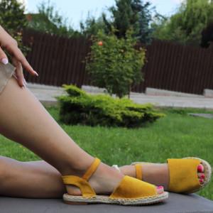 Sandale pentru dame cod F32 Yellow - Sandale pentru dama din piele ecologică întoarsă  Închidere prin baretă  Calapod comod - Deppo.ro