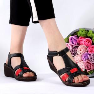 Sandale pentru dame din piele naturală cod 826 Black - Sandale pentru dama din piele naturală  Închidere prin scai  Calapod comod - Deppo.ro
