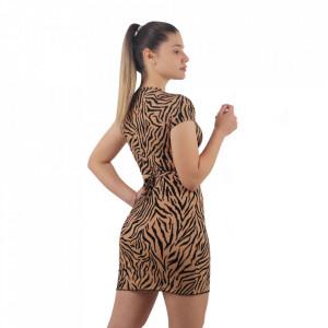 Compleu Tiger Print - Compleul Jungle print este potrivit sezonului cald fiind alcătuit din fustă și un top lejer. Topul se leagă în jurul taliei sau în diferite moduri. Este confecționat dintr-un material elastic. - Deppo.ro
