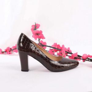 Pantofi Cu Toc cod VN51783 Coffee - Pantofi cu toc din piele ecologică lăcuită Fii în pas cu moda şi străluceşte la următoarea petrecere. - Deppo.ro