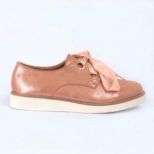Pantofi din piele ecologică Cod 324 - Pantofii îți transformă limbajul corpului și atitudinea. Te înalță fizic și psihic!  Pantofi pentru dame din piele ecologică lăcuită - Deppo.ro