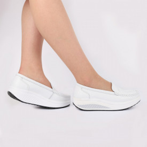 Pantofi din piele naturală Cierra White - Pantofii îți transformă limbajul corpului și atitudinea. Te înalță fizic și psihic! Pantofi pentru dame din piele naturală Talpă ortopedică flexibilă și un calapod comod - Deppo.ro