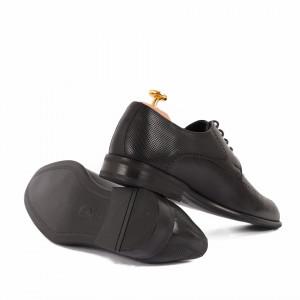 Pantofi din piele naturală cod 116 Black - Pantofi din piele naturală, model simplu, finisaje îngrijite cu undesing deosebit prin vârful perforat - Deppo.ro