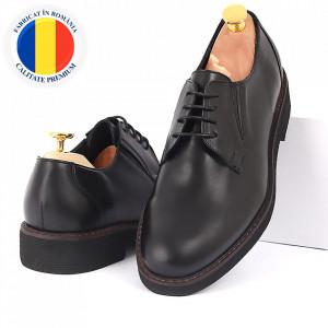 Pantofi din piele naturală cod 180 Negri - Pantofi din piele naturală, model simplu, finisaje îngrijite cu undesign deosebit - Deppo.ro