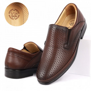 Pantofi din piele naturală cod 4337 Maro