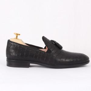 Pantofi din piele naturală cod 77143 Negri - Pantofi din piele naturală, model simplu, finisaje îngrijite cu undesign deosebit - Deppo.ro