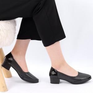 Pantofi pentru dame cod 306095 Black - Pantofi cu toc din piele ecologică Calapod comod - Deppo.ro