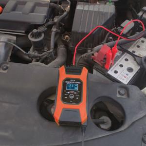 Redresor FOXSUR smart pentru baterii auto/moto, 12V 7A, controlat de microprocesor, cu afisaj electronic, functie Repair
