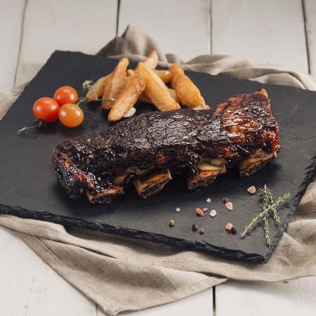 Coaste de vită glazurate cu sos barbecue
