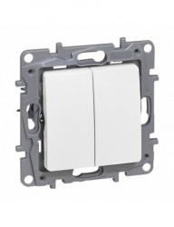 Kettős alternativ kapcsoló, fehér, 10A, IP20, Legrand Niloe