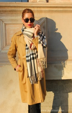 "*Sal Esarfa Pashmina ""British"" Cream Edition by jukafashion.ro cod PRM3"