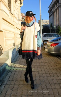 "Poze PuloverTip Poncho ""Estrella"" White by JukaFashion.ro cod ES3"