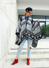 "Poncho Dama ""Inola"" Negru by JukaFashion.ro (2018)"