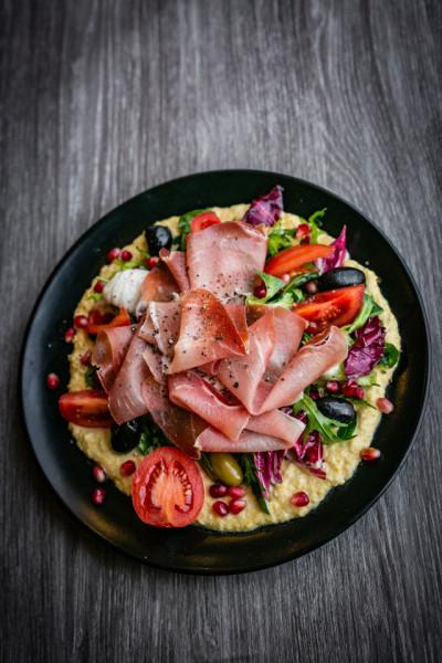 Hummus salata