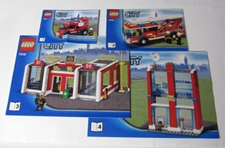 INS7208-G 7208 BOUWBESCHRIJVING- Fire Station gebruikt *LOC M3