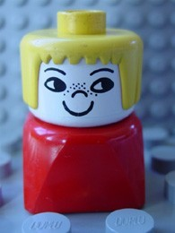 dupfig011 Duplo 2 x 2 x 2 Figure Brick Early, Female on Red Base, Yellow Hair, Freckles *