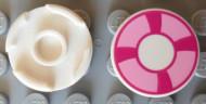 14769pb002-1 Tegel 2x2 rond met roze zwemband wit NIEUW *1L0000