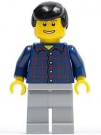 cty0146G Man, blauwe trui met rode ruit, zwart haar, open mond gebruikt loc