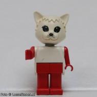 fab3gG Cat 3- Trui wit zonder strik, broek rood, kop wit gebruikt *2R0000