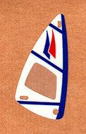 x66px7-12G Zeil 6x12 Blauwe lijnen, rode en blauwe driehoeken (plastic) transparant gebruikt *5D000