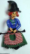 belvFem14A Vrouw - Heks, zwarte shorts, blauw shirt met benen knopen, rood haar, heksenbhoed, rok NIEUW *
