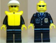 cty0019G Politie- Witte pet met klep, zwarte zonnebril, zwart pak met badge en zwemvest, zwarte broek, gele handen gebruikt loc