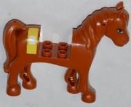 93083c01pb04-88 Friends paard Blauwe ogen, witte bles, gele bandage bruin, roodachtig NIEUW *5K000