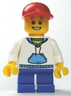 cty0192G Jongen, rode cap, witte hoody, korte blauwe benen gebruikt *0M0000