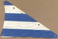 sailbb20-1G Zeil 15x22 driehoek met blauwe strepen wit gebruikt *5D000