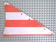 sailbb23-1G Zeil 14x22 driehoek met rode strepen wit gebruikt *5D000