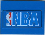 4515pb008-7G Dakpan 10 graden 6x8 NBA blauwe letters logo (sticker) Blauw gebruikt loc