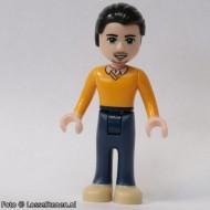 frnd092 Friends- Luis, donkerblauwe broek, helderoranje sweater NIEUW loc