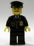 cty0153G Politie- agent, blauwe das en badge, zwarte pet. rode snor gebruikt loc
