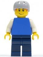 cty0155G Jongen- Blauwe torso met witte armen, donkerblauwe benen, helm met gaten, rode plukken haar gebruikt loc