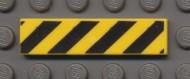 2431p52-3 Tegel 1x4 Diagonale strepen zwart geel NIEUW loc