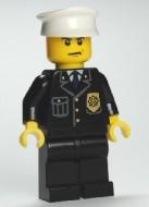 cty0008G Politie- Witte pet, kuiltje kin, norse blik, blauwe das, gouden badge gebruikt loc