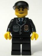 cty0067G Politie- shirt met blauwe das en badge, zwarte cap gebruikt *0M0000
