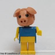 fab11aG Varken 1- Blauwe trui, gele broek gebruikt *2R0000