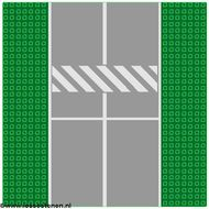 2358p02-6g Vliegveldplaat 32x32 met startbaan en schuine strepen groen gebruikt *3K000