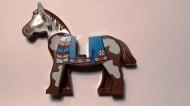 4493c01px2-8 Paard met blauw kleed en witte vlekken Bruin (classic) NIEUW loc