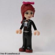 frnd041 Friends- Mia, zwarte broek, zwart net jasje en strik in haar NIEUW loc
