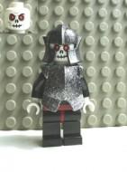 cas331G Undead- Skeletstrijder 5, met zwart gespikkeld harnas en helm, zwarte benen donkerrode heupen gebruikt loc Halloween