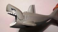 62605pb01c01-86 Haai NIEUWE type met witte tanden LET OP PAKKETZENDING! Grijs, licht-blwachtig NIEUW loc
