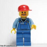 air031 Airport - Blauwe overall met gereedschap, blauwe broek, rode cap, lach rond mond NIEUW loc