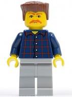 cty0082G Man, geruit shirt, snor, roodbruin plat haar gebruikt loc